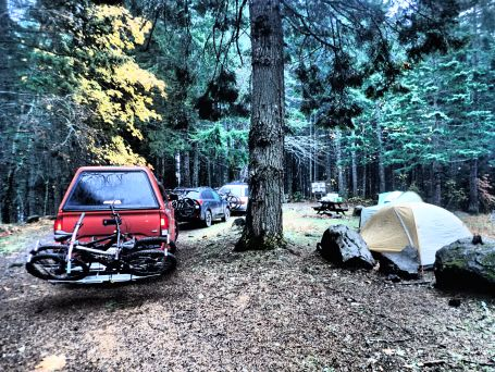 After driving into town for food at Double Mountain on Saturday, we decided to head to Washington and camp next to the trails we would be riding the next day.